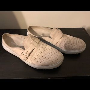 Merrill shoes, creme colored, good shape.
